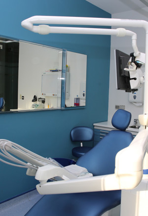 Seef-dental-bahrain-Invent-ITS-blue-room-3