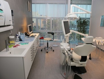 seef-dental-amwaj-branch-invent-its-bahrain-image02